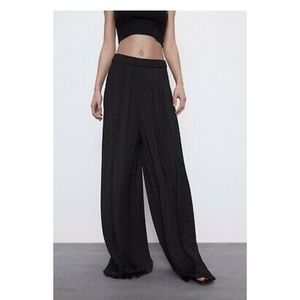 ⭐️ ZARA Flowing Pleated Palazzo Trousers⭐️